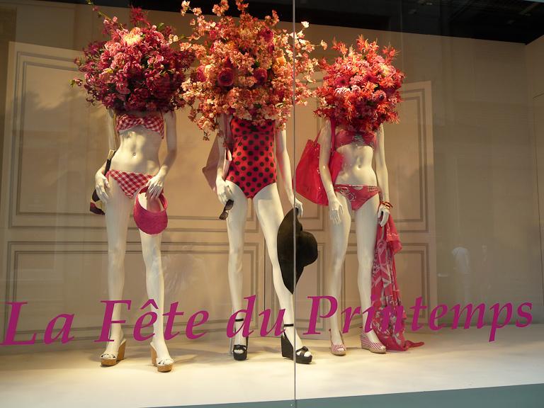 La Fête du Printemps, vitrine du Printemps Haussmann, Paris 9e (75)