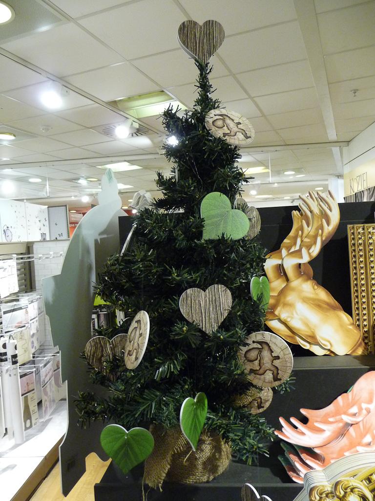 Décorations de Noël au BHV Rivoli, Paris 4e (75)