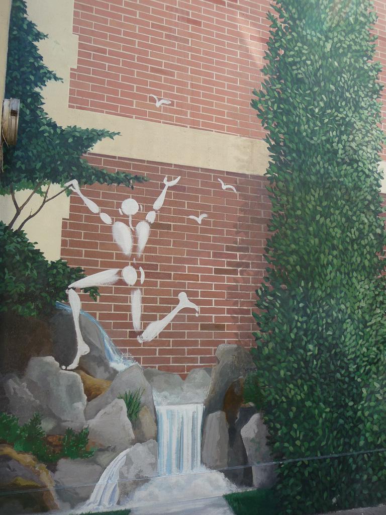 Détail de la grande fresque dans la rue des Cascades, Paris 20e (75)