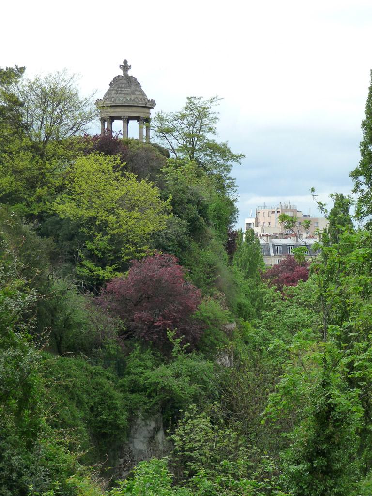 Parc des Buttes-Chaumont au printemps, Paris 19e (75)