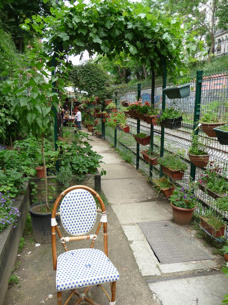 Jardins du Ruisseau, rue du Ruisseau (le long de la Petite Ceinture), Paris 18e (75)