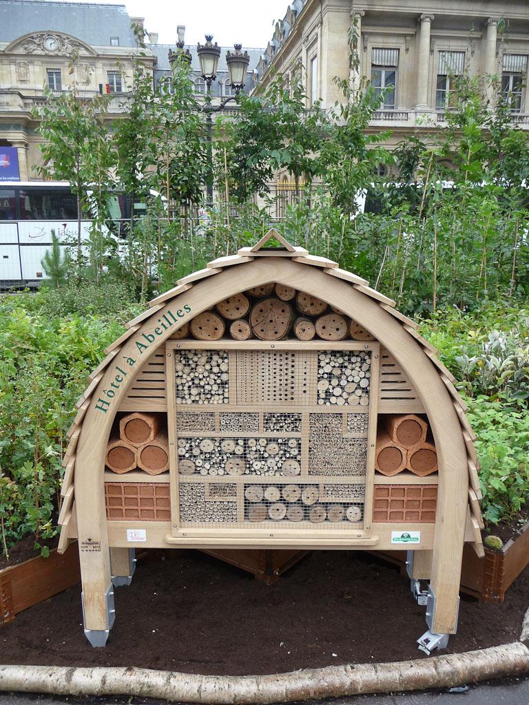 """Hôtel à insectes, exposition """"Bois & Forêt le choix nature !"""", place du Palais Royal, Paris 1er (75), 14 septembre 2012, photo Alain Delavie"""