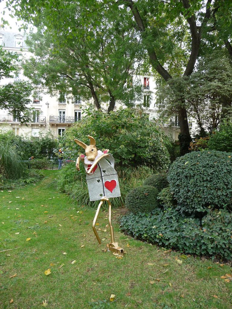 I'm late ! I'm late ! I'm late ! Tracy Mead, square Maurice Gardette, 2 rue du Général Blaise, Paris 11e (75)