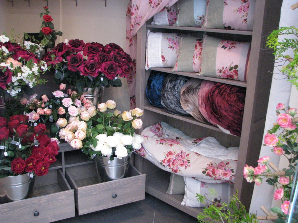 Boutique Roses, 65 rue Greneta, 75002 Paris, photo Claire NGUYEN-DUY