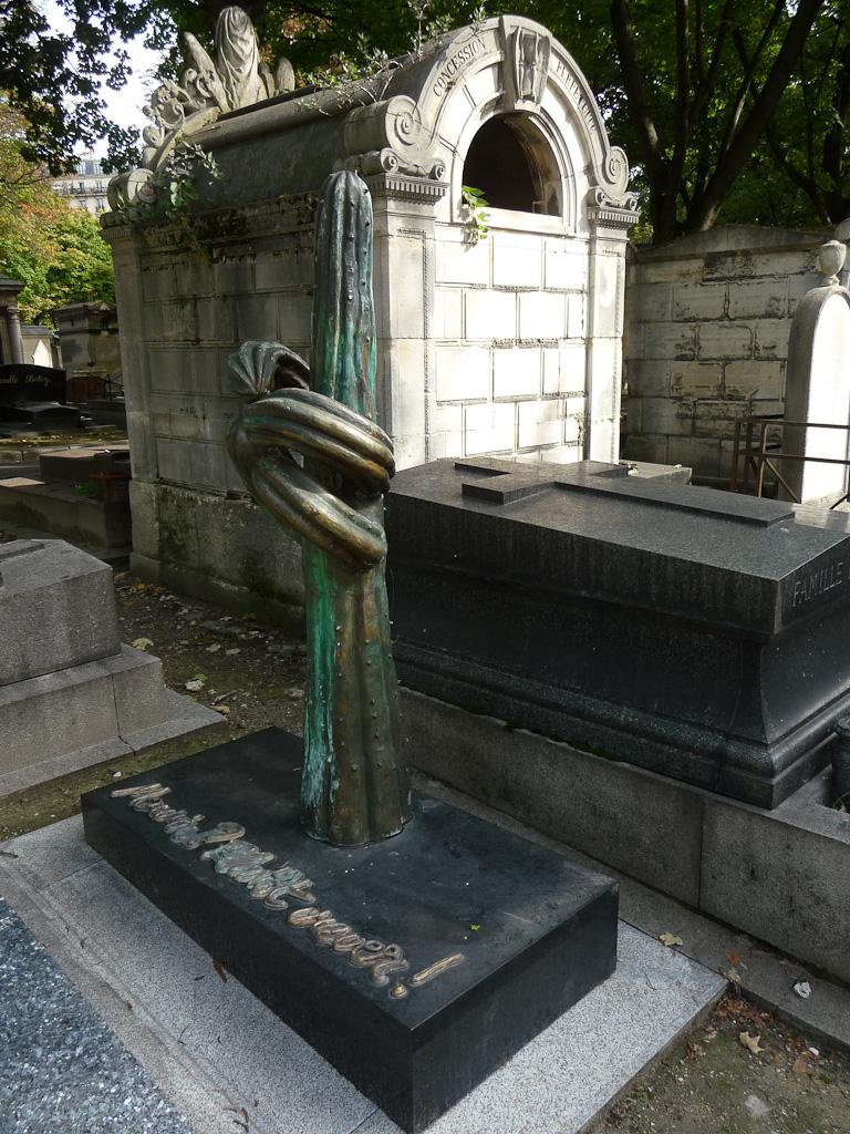 Mourir ? Plutôt crever ! Tombe du Cimetière de Montmartre, Paris 18e (75)
