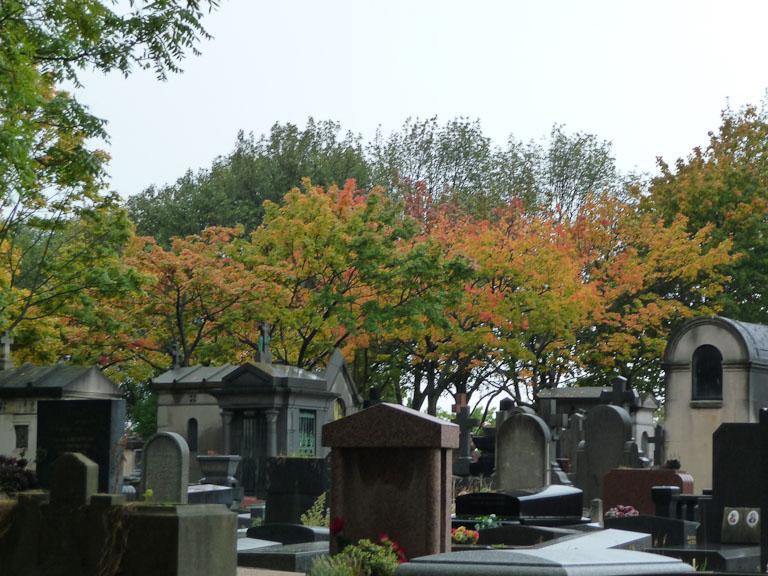 Par un dimanche d'automne pluvieux dans le cimetière du Père Lachaise, Paris 20e (75)