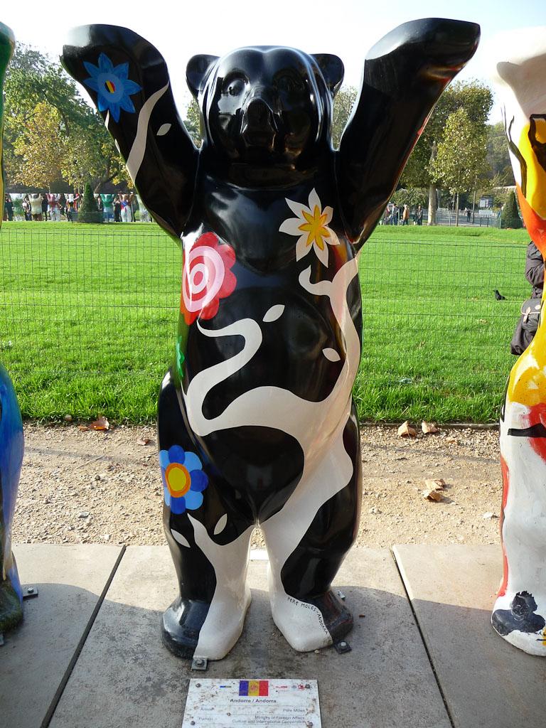 United Buddy Bears : l'ourson de la Principauté d'Andorre, Champs de Mars, Paris 7e (75)