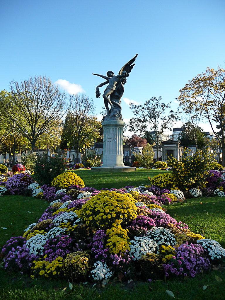 Cimetière du Montparnasse en automne, Paris 15e (75)