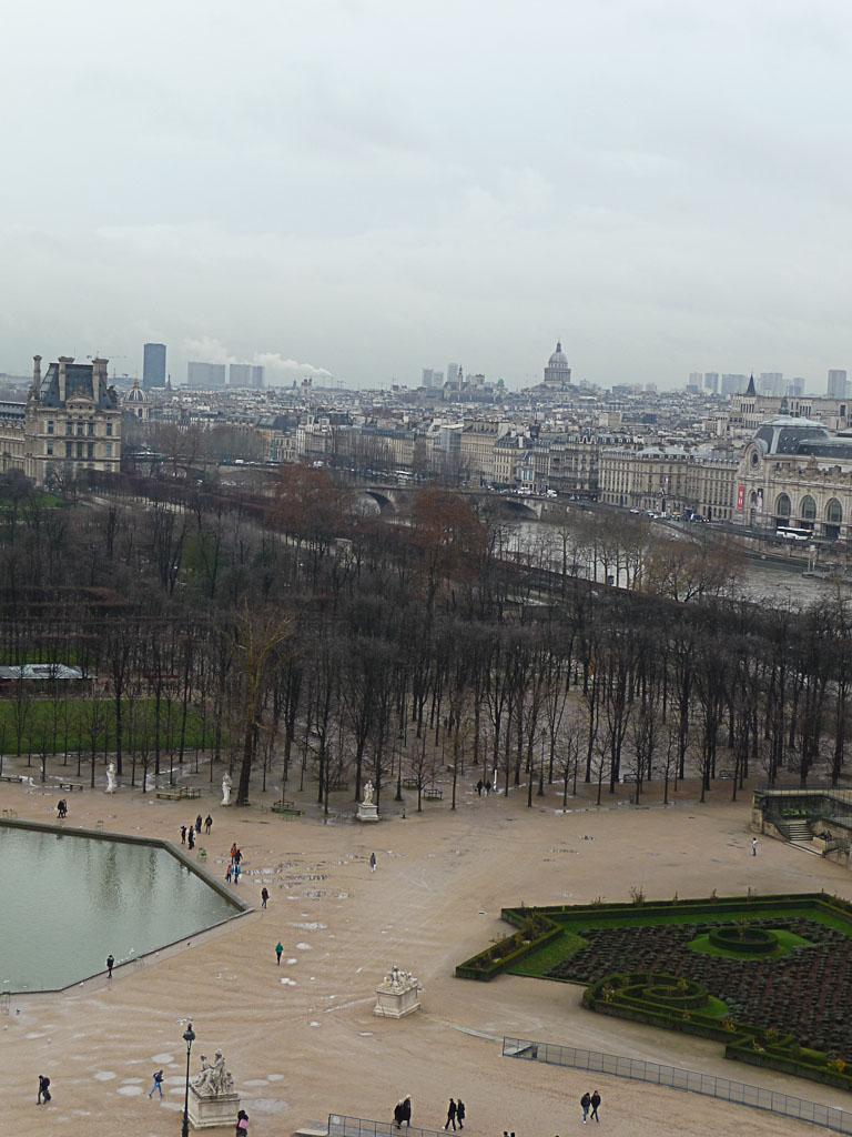 Jardin des Tuileries, vue de Paris depuis la grande roue installée sur la place de la Concorde, Paris 1er (75)