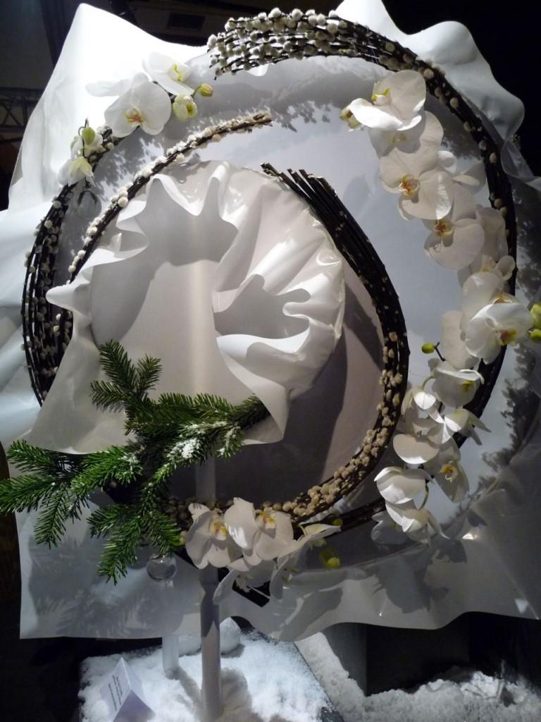 Jeux de fleurs, art floral de Noël, création de Marie-Françoise Deprez, photo Alain Delavie