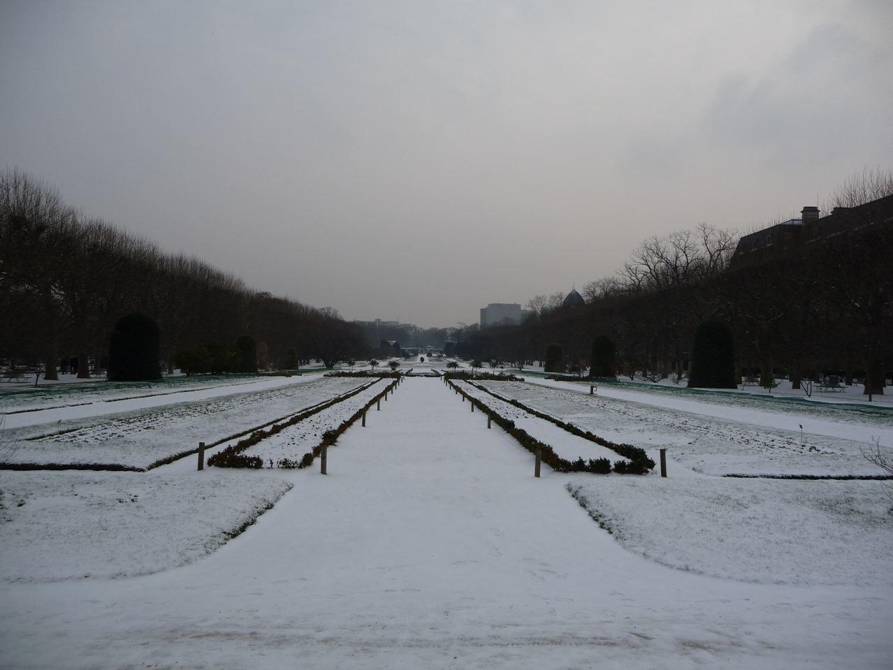 Paris sous la neige en hiver