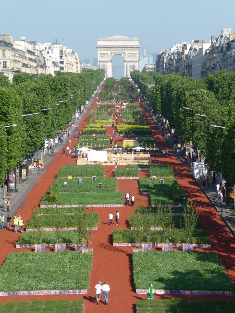 80 % de la production agricole française sur les Champs-Élysées (Paris 8e)