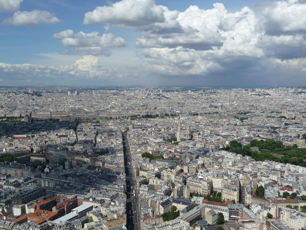 Découverte de Paris depuis la terrasse en plein air de la Tour Montparnasse