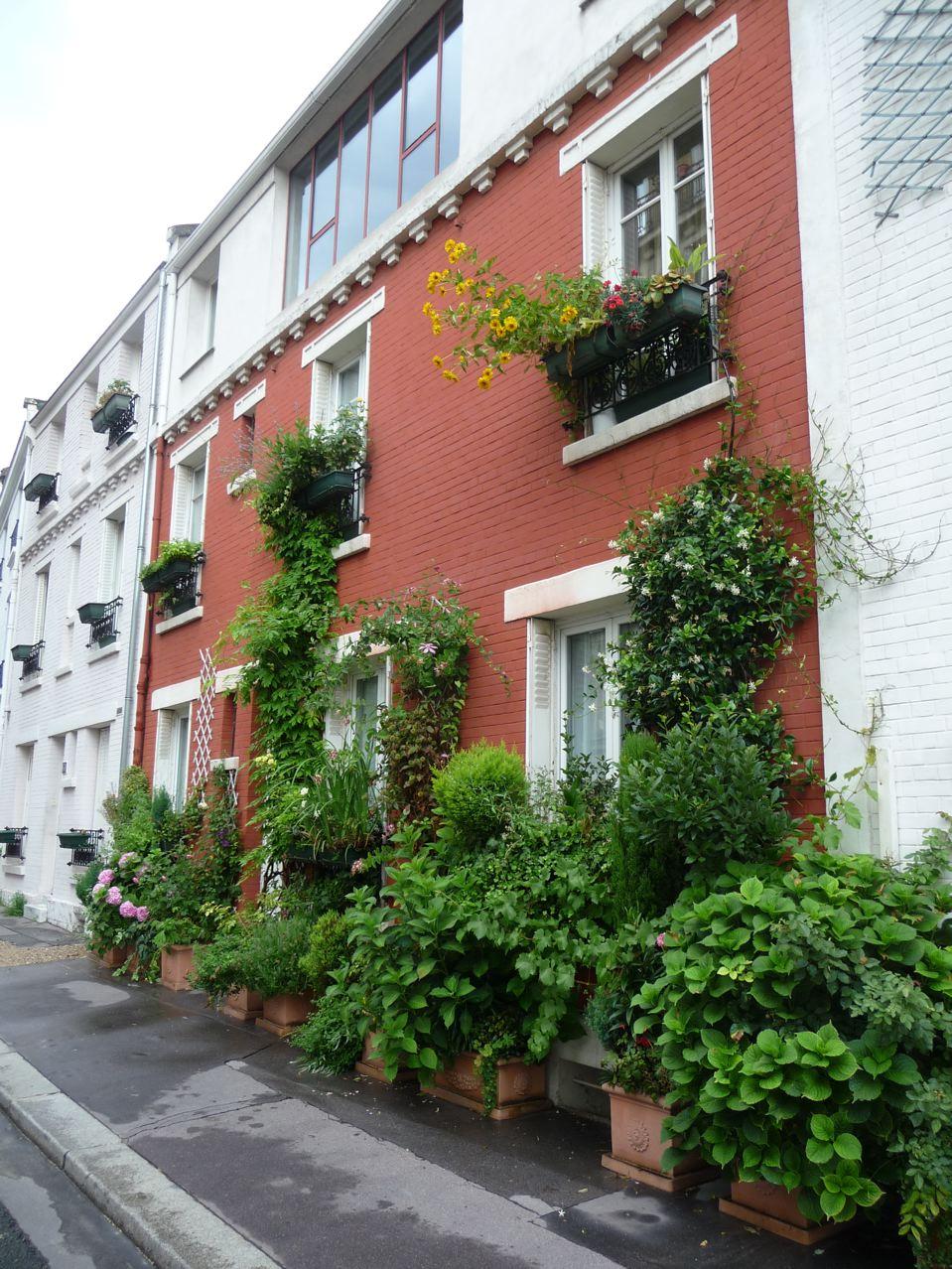 Jardin de façade en ville