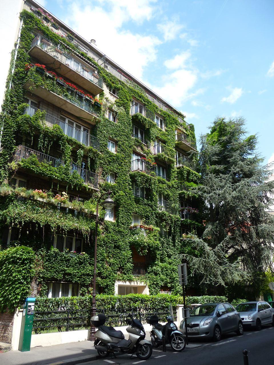 Façade végétale dans Paris