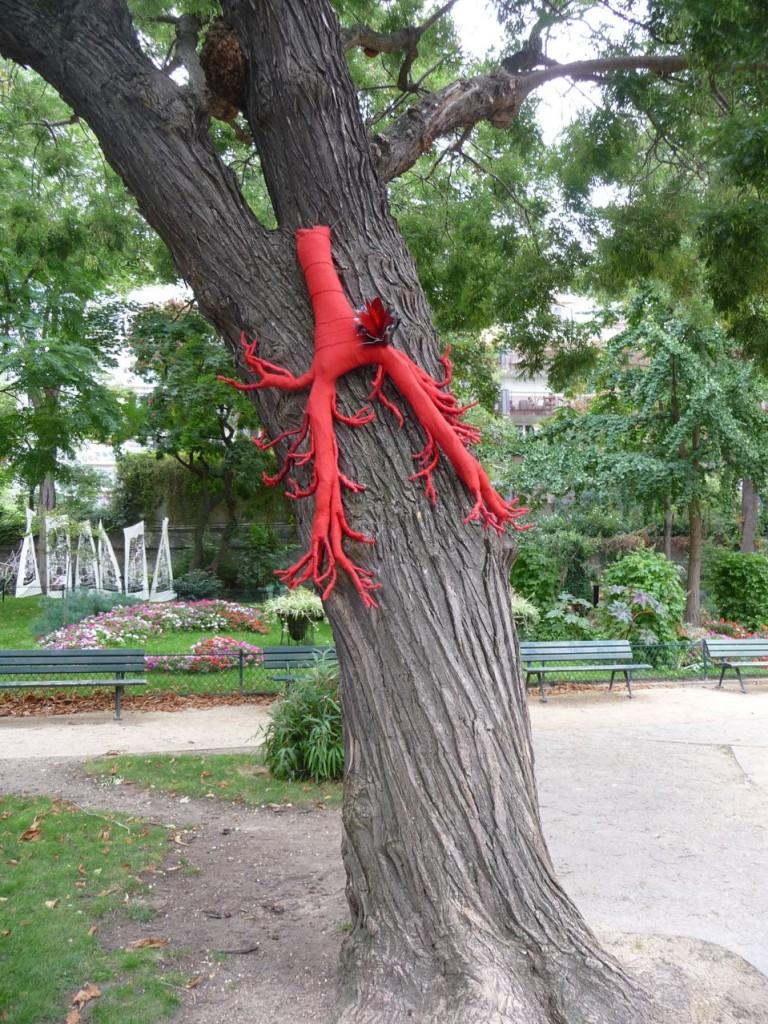 L'art contemporain dans les jardins parisiens du 11e arrondissement de Paris