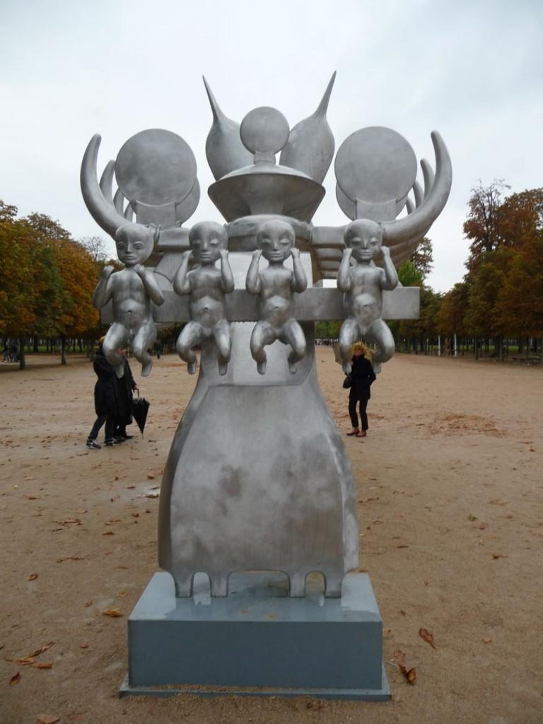 Art contemporain dans le Jardin des Tuileries