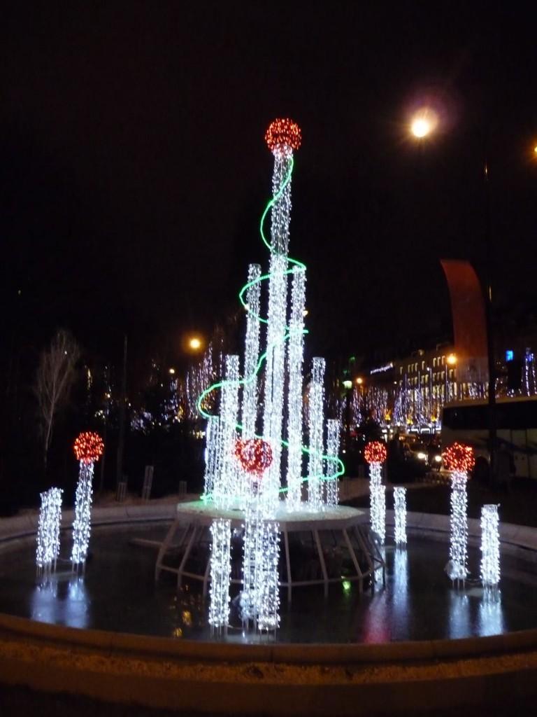 Illuminations pour les fêtes de fin d'année dans Paris