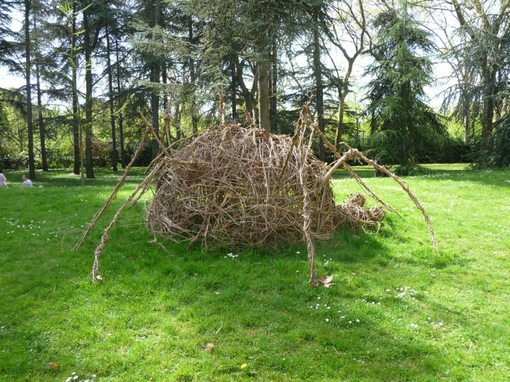 Land art : araignée géante