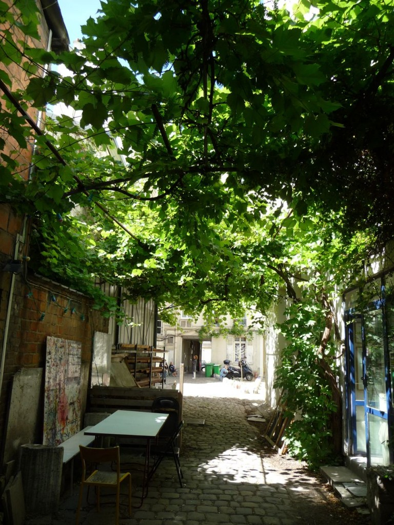 Cour du 48 rue Rampeneau, dans Belleville, Paris 20e (75)