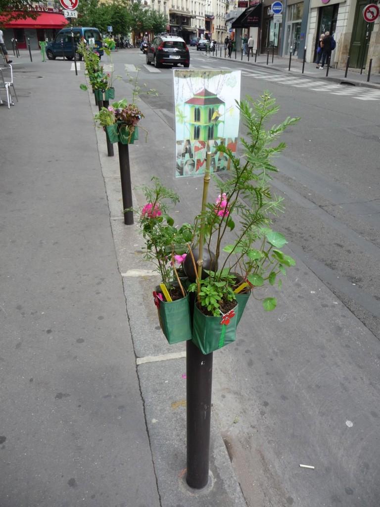Rangée de Potogreen dans la rue Montmartre, Paris 2e (75)