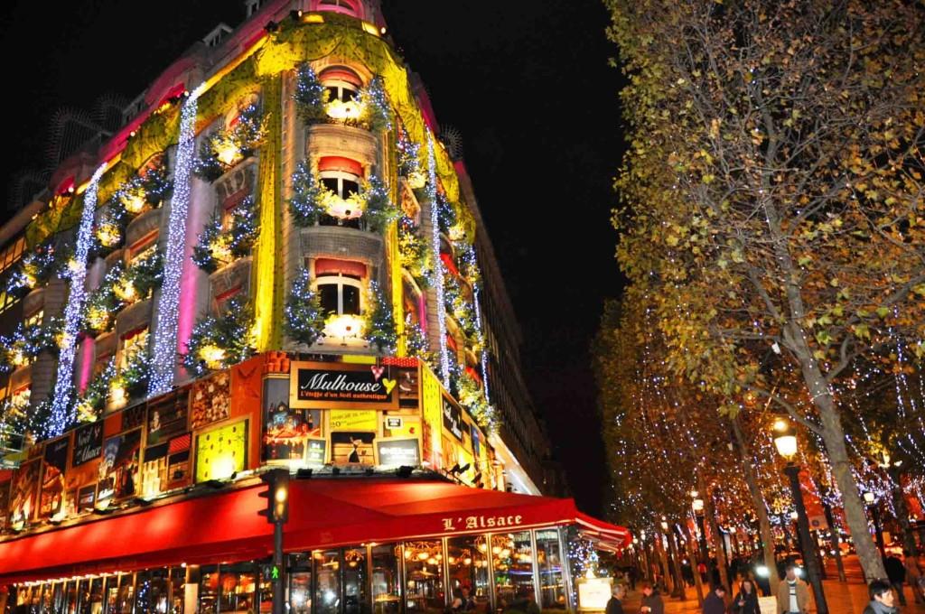 Façade de la Maison de l'Alsace, avenue des Champs-Élysées, Paris 8e (75)